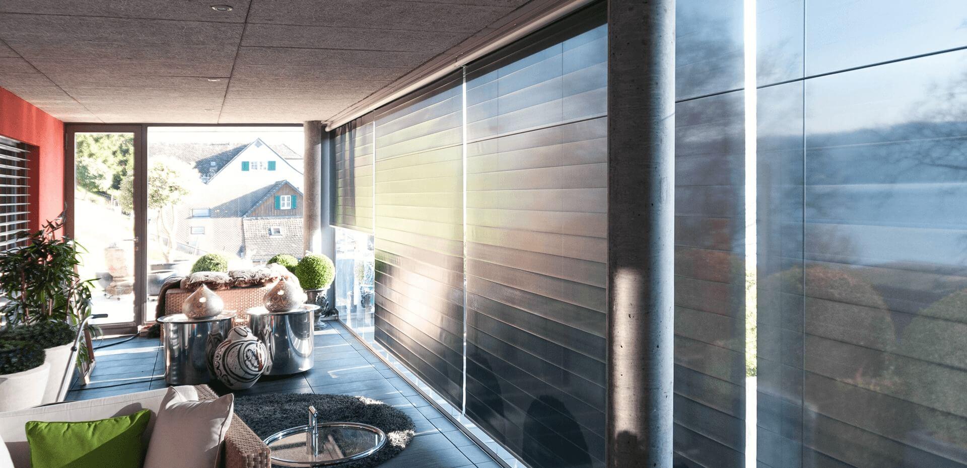 signvision.ch – Transparente Folien-Rollos schützen vor der Sonne